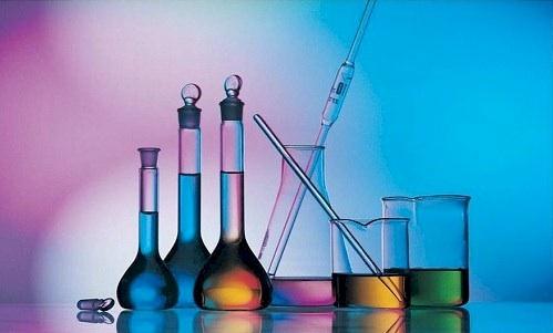 ما الطريقة المناسبة لتدريس الكيمياء في المدارس؟